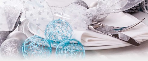 Place setting with Christmas decorations